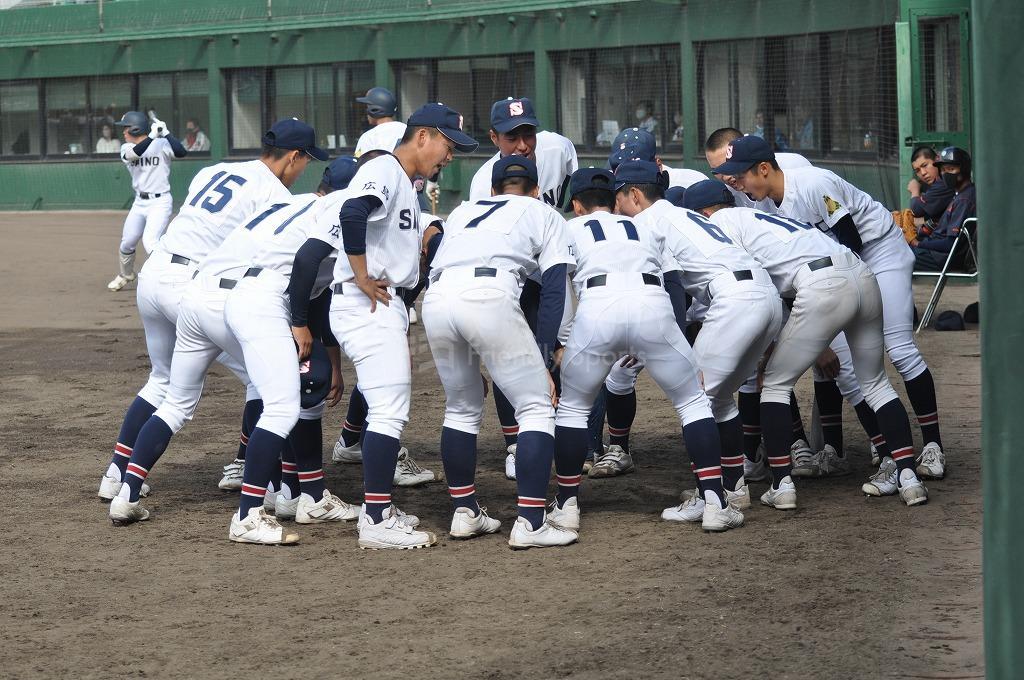 4月24日鶴岡一人記念球場の大会模様