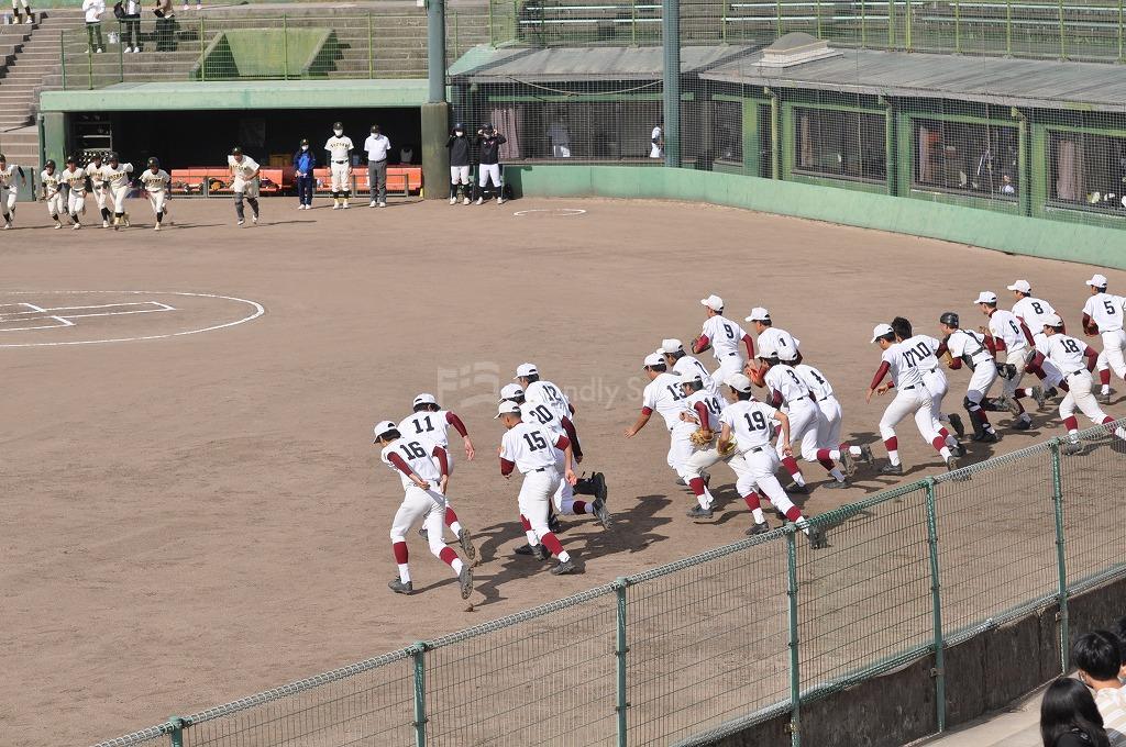 第66回秋季広島県高等学校軟式大会の決勝が行われました。優勝は、崇徳!おめでとう!