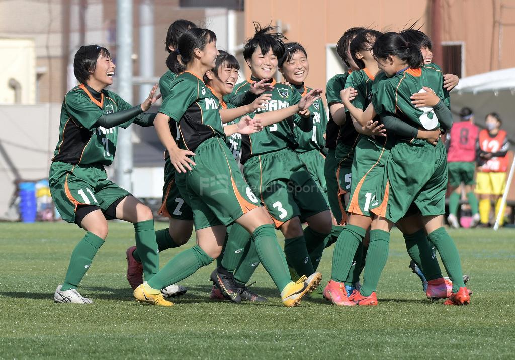 3位決定戦:皆実 vs 盈進 高校サッカー選手権(女子)